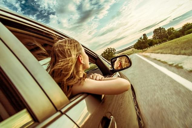 Une femme sur les routes de l'été